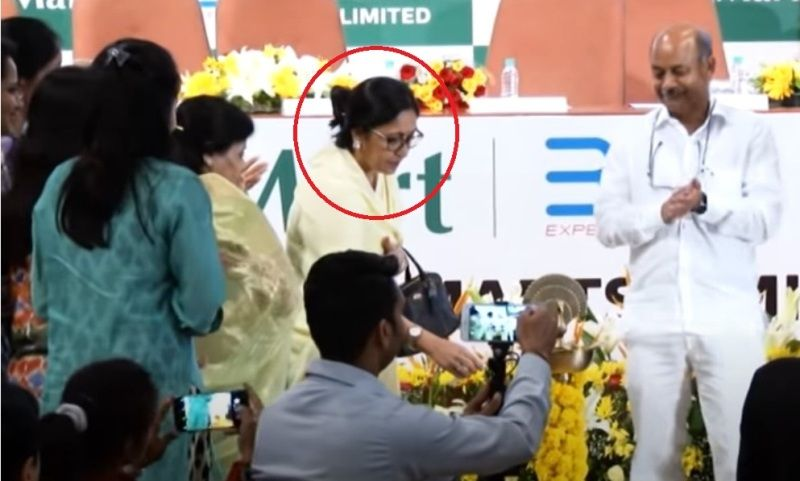 Radhakishan Damani's wife at the Avenue Supermarts Limited (D-Mart) listing ceremony