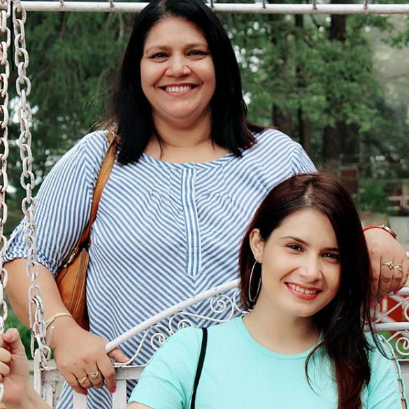 Tanya Purohit with her mother