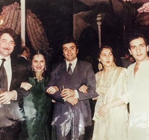 An old photo of Rajiv Kapoor with his family.