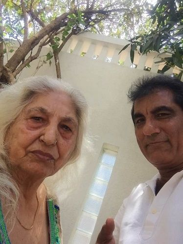 Raj Babbar's mother and brother.